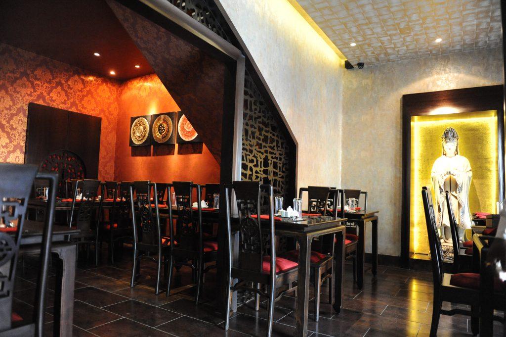 Restaurant Decor 1
